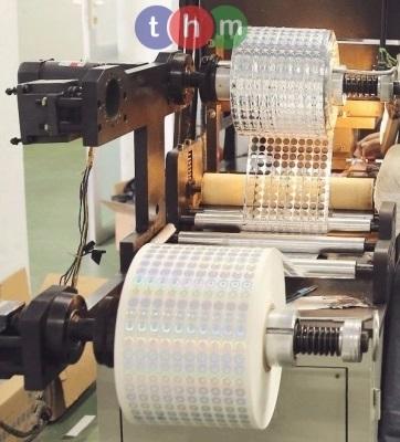 Tem chống hàng giả hologram cuộn và dây chuyền sản xuất tem chống hàng giả tại Tân Hoa Mai